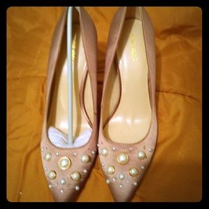 Nine West Sandy Pumps with Pearls